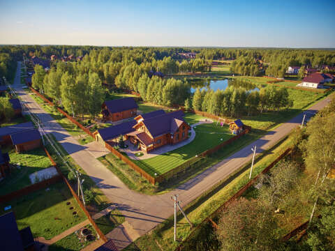 Готовые дома у леса и озера. Живописные места Идеальное место для жизни и отдыха